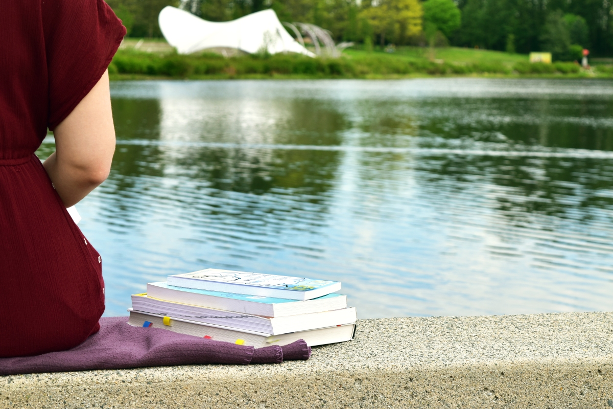 Sun's out, books out: 8 study spots to soak up the summer weather